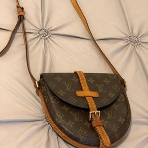 100 % Authentic Louis Vuitton Chantilly PM